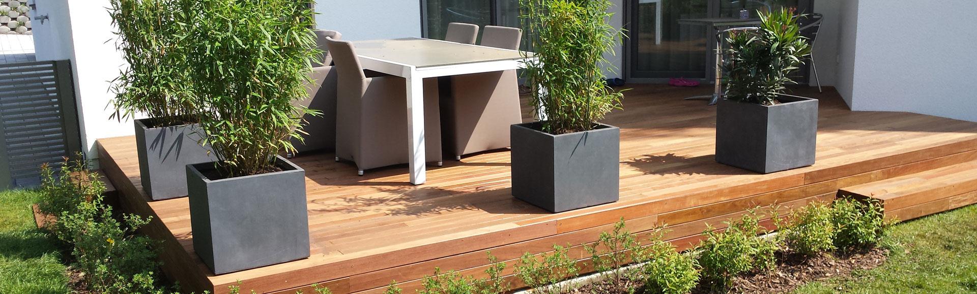 blumenk sten mit wasserspeicher drainage legen. Black Bedroom Furniture Sets. Home Design Ideas